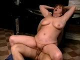 Oma als Sex-Sklavin