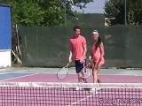 Vierer Sex auf Tennisplatz – Doppel-Ficker