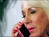 65-jährige Oma fickt Altenpfleger – Pfleger hat Omasex im Altenheim