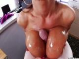 Lisa Ann beim Tittenfick – Tits Fuck Porn – Tittenficken im Porno