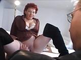 Sex für den Job – Milf beim Vorstellungsgespräch bumsen