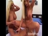 Shyla und Nikki mit dicken Titten machen einen Dreier