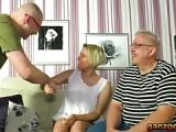 Ehemann verleiht seine Frau für Sex – Altes Swinger-Ehepaar