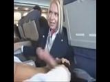 Sex mit Stewardess im Flugzeug über den Wolken