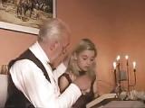 Alter Opa fickt 18-jährige blonde – Opasex mit 18 Jahre alter Frau