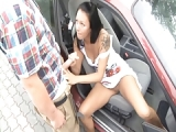Parkplatz Sex mit einer heissen Asiatin – Parklplatz Porno