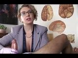 Frau Doktor wichst meinen Penis