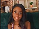 Black Bambi Bliss bei Blowjob – Oralsex durch schöne Frau