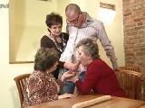 3 Omas wollen Grannysex